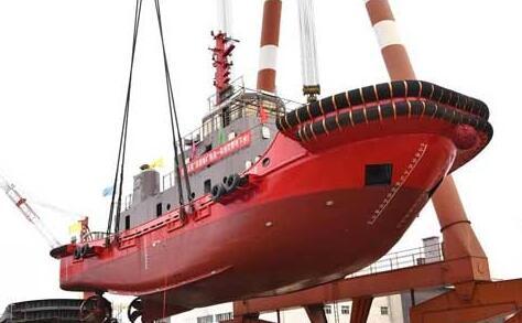 镇江船厂顺利下水2942kW拖消一体拖轮