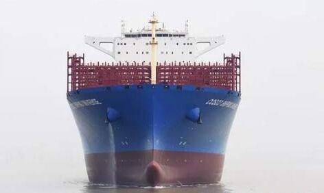 江南造船21000TEU系列集装箱船首制船出海试航