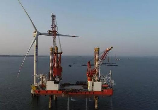 """大桥福船""""号创国内7MW海上风机安装新纪录"""