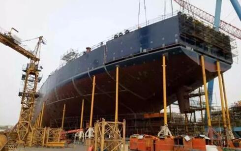 大连中远船务在11.3万吨油轮上成功应用模拟搭载技术